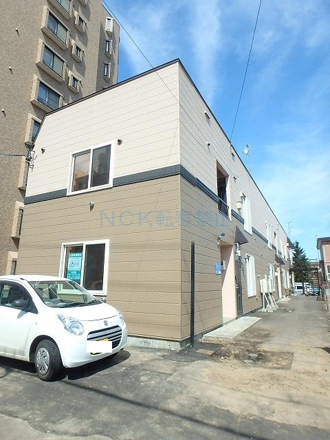北海道札幌市中央区、西線16条駅徒歩6分の築19年 2階建の賃貸アパート