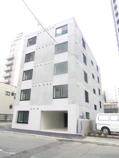 北海道札幌市中央区、バスセンター前駅徒歩5分の築6年 5階建の賃貸マンション