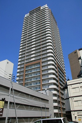 北海道札幌市中央区、中島公園駅徒歩4分の築10年 33階建の賃貸マンション