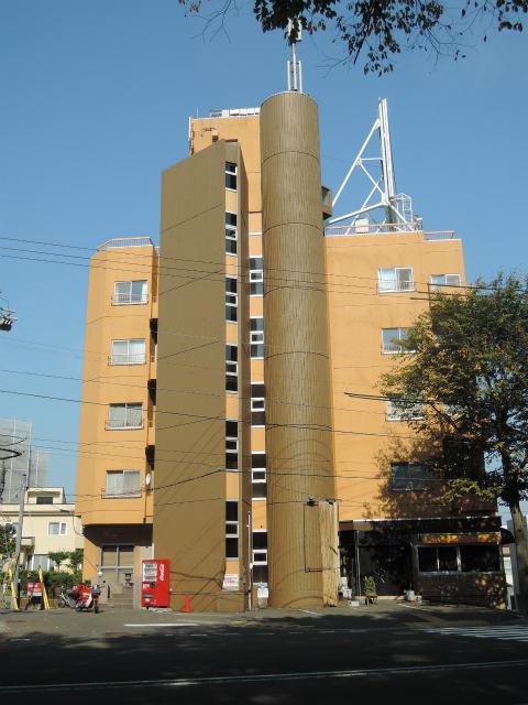 北海道札幌市中央区、西28丁目駅徒歩7分の築27年 5階建の賃貸マンション