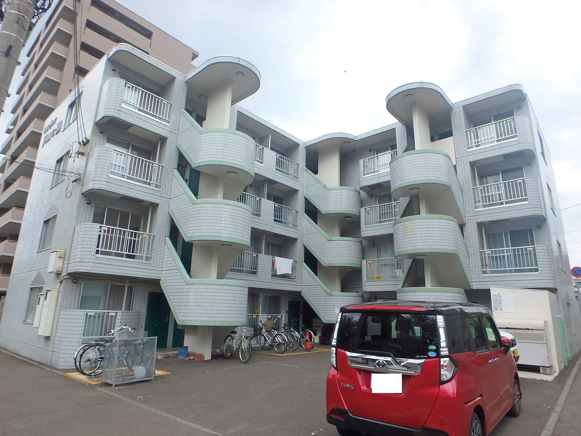 北海道札幌市中央区、円山公園駅徒歩10分の築28年 4階建の賃貸マンション