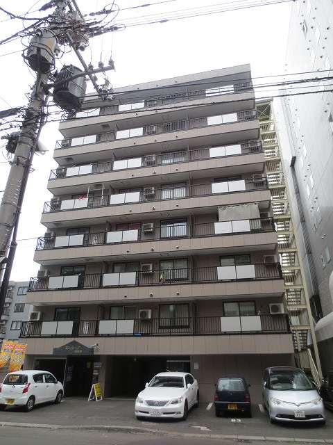 北海道札幌市中央区、西11丁目駅徒歩10分の築15年 8階建の賃貸マンション