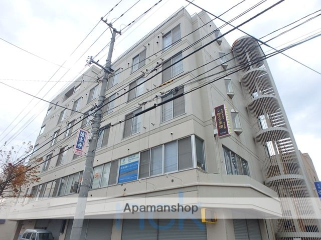 北海道札幌市中央区、桑園駅徒歩11分の築28年 6階建の賃貸マンション
