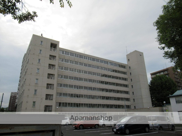 北海道札幌市中央区、桑園駅徒歩14分の築29年 8階建の賃貸マンション