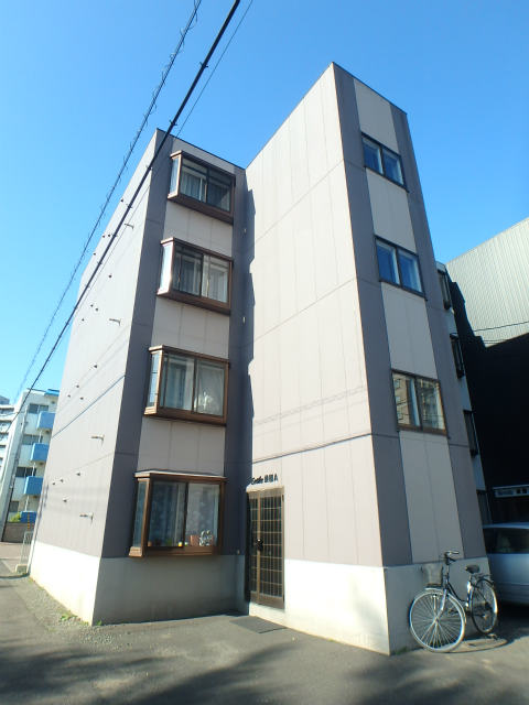 北海道札幌市中央区、桑園駅徒歩5分の築21年 4階建の賃貸マンション