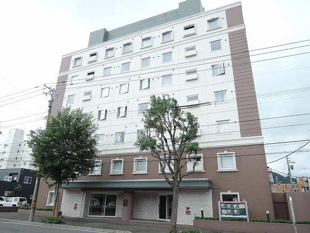 北海道札幌市中央区、西18丁目駅徒歩11分の築19年 7階建の賃貸マンション