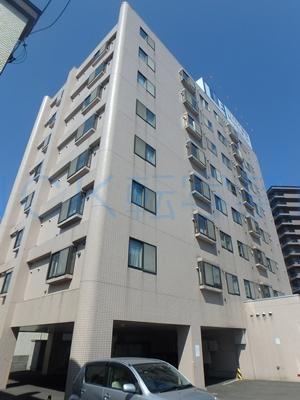 北海道札幌市中央区、苗穂駅徒歩3分の築23年 8階建の賃貸マンション