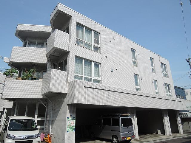 北海道札幌市中央区、二十四軒駅徒歩19分の築30年 3階建の賃貸マンション