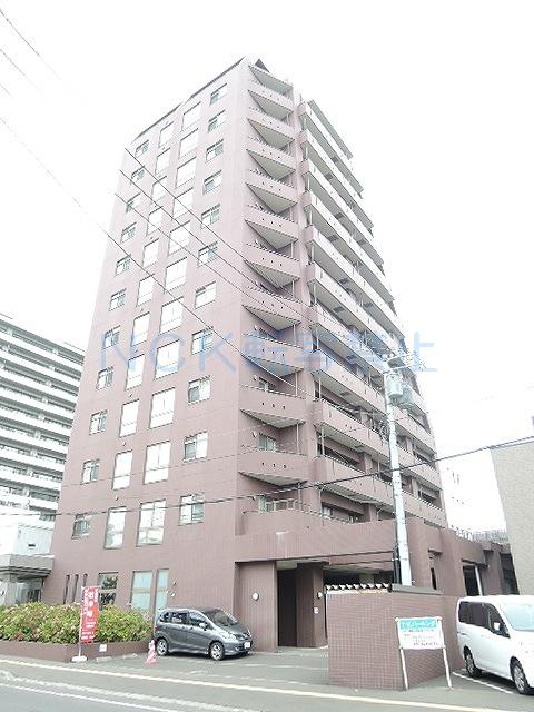 北海道札幌市中央区、西線14条駅徒歩6分の築12年 13階建の賃貸マンション