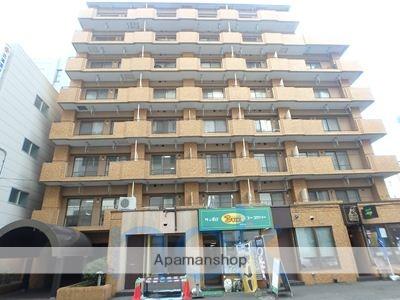 北海道札幌市中央区、西11丁目駅徒歩4分の築32年 8階建の賃貸マンション
