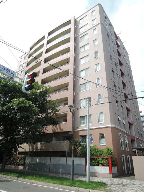 北海道札幌市中央区、桑園駅徒歩10分の築13年 11階建の賃貸マンション