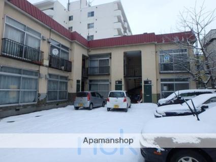 北海道札幌市中央区、西線9条旭山公園通駅徒歩13分の築40年 2階建の賃貸アパート