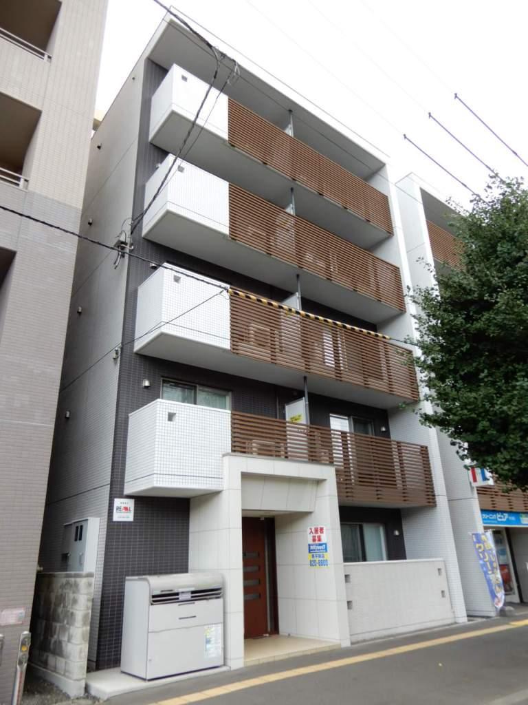 北海道札幌市中央区、西11丁目駅徒歩7分の築4年 5階建の賃貸マンション