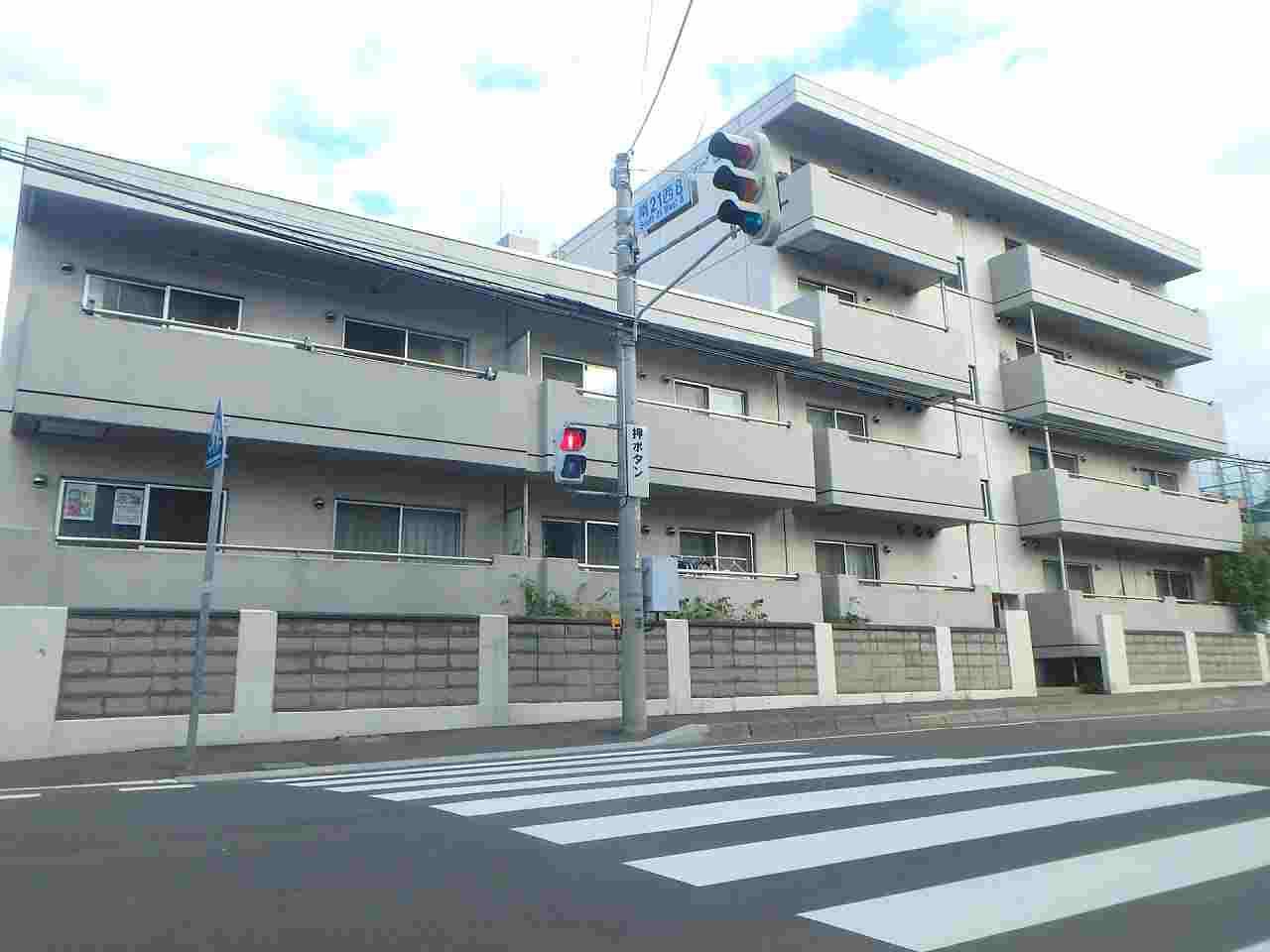 北海道札幌市中央区、幌平橋駅徒歩14分の築33年 5階建の賃貸マンション
