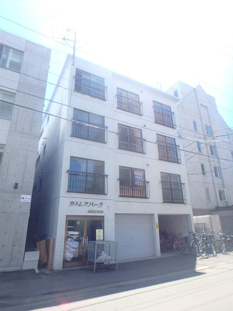 北海道札幌市中央区、札幌駅徒歩13分の築29年 4階建の賃貸マンション