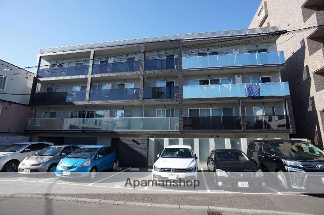 北海道札幌市中央区、桑園駅徒歩13分の築1年 4階建の賃貸マンション
