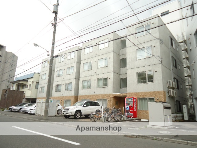 北海道札幌市中央区、西28丁目駅徒歩5分の築6年 4階建の賃貸マンション