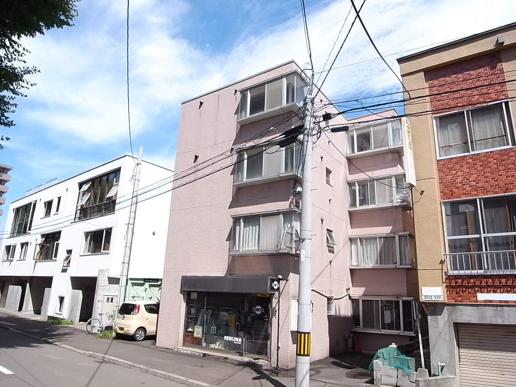 北海道札幌市中央区、円山公園駅徒歩10分の築27年 4階建の賃貸マンション