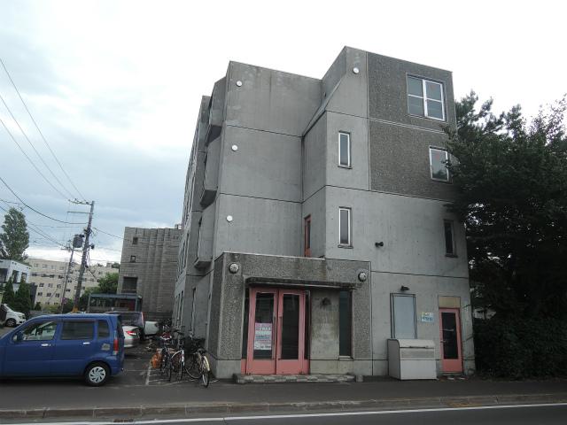 北海道札幌市中央区、桑園駅徒歩15分の築23年 4階建の賃貸マンション