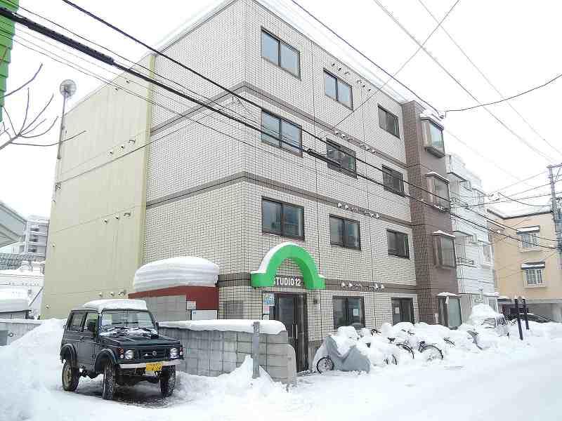 北海道札幌市中央区、行啓通駅徒歩7分の築28年 4階建の賃貸マンション