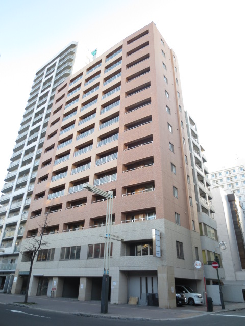 北海道札幌市中央区、すすきの駅徒歩5分の築10年 13階建の賃貸マンション