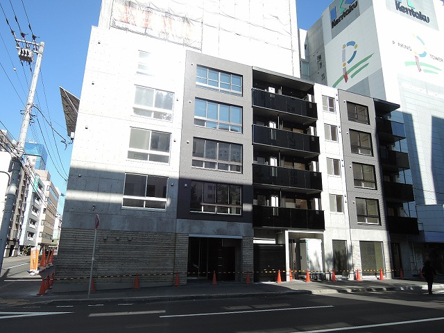 北海道札幌市中央区、西11丁目駅徒歩5分の築2年 5階建の賃貸マンション