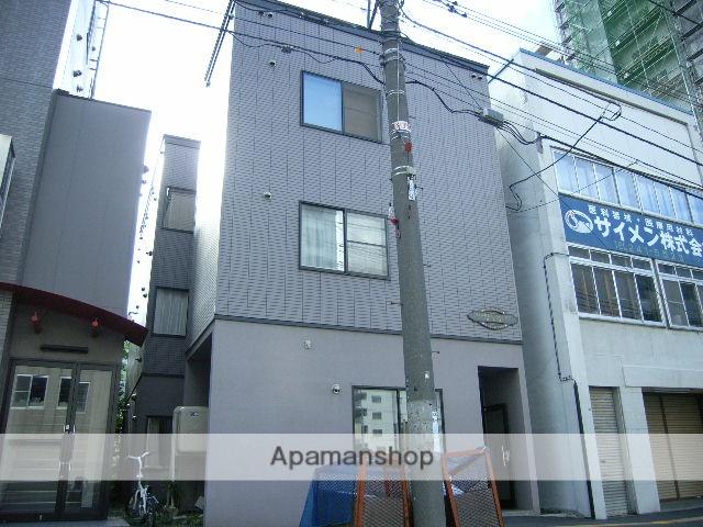 北海道札幌市中央区、バスセンター前駅徒歩3分の築18年 3階建の賃貸アパート
