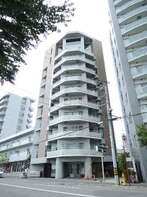 北海道札幌市中央区、二十四軒駅徒歩16分の築18年 11階建の賃貸マンション