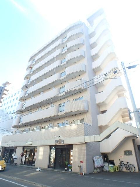 北海道札幌市中央区、西28丁目駅徒歩13分の築27年 8階建の賃貸マンション
