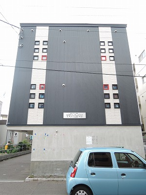 北海道札幌市中央区、二十四軒駅徒歩14分の築9年 3階建の賃貸アパート