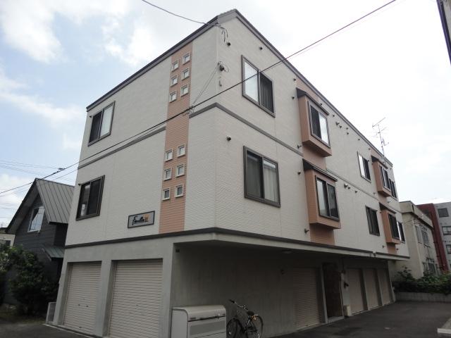 北海道札幌市西区、琴似駅徒歩19分の築8年 3階建の賃貸アパート
