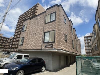北海道札幌市西区、発寒駅徒歩11分の築14年 3階建の賃貸アパート
