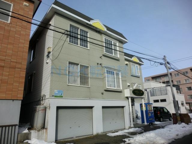 北海道札幌市西区、琴似駅徒歩20分の築26年 3階建の賃貸アパート