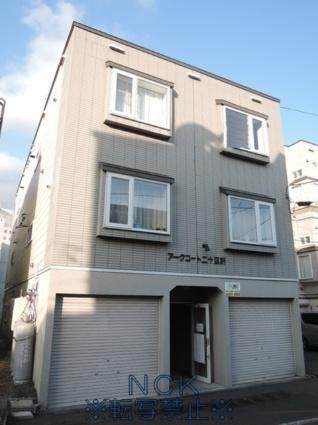 北海道札幌市西区、琴似駅徒歩16分の築17年 3階建の賃貸アパート
