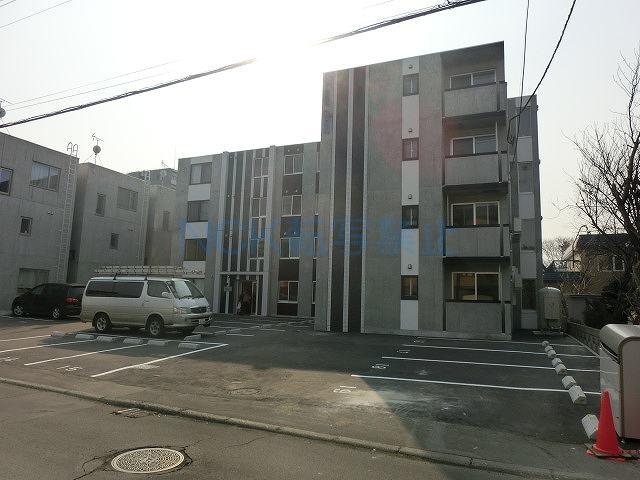 北海道札幌市西区、発寒中央駅徒歩5分の築1年 4階建の賃貸マンション