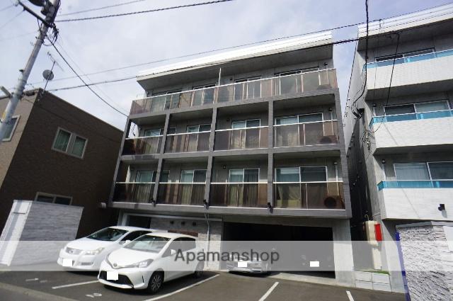 北海道札幌市西区、二十四軒駅徒歩4分の築2年 4階建の賃貸マンション