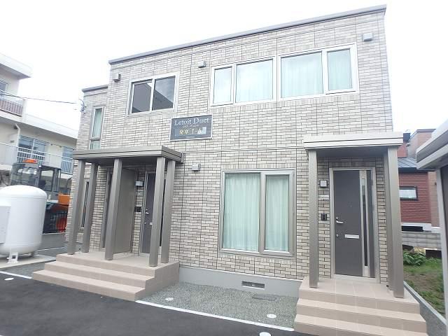 北海道札幌市西区、発寒中央駅徒歩6分の築1年 2階建の賃貸アパート