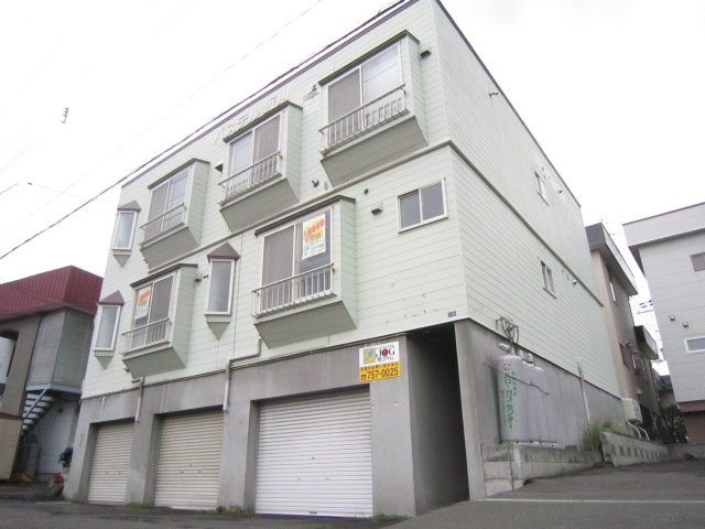 北海道札幌市北区、新川駅徒歩8分の築29年 2階建の賃貸アパート