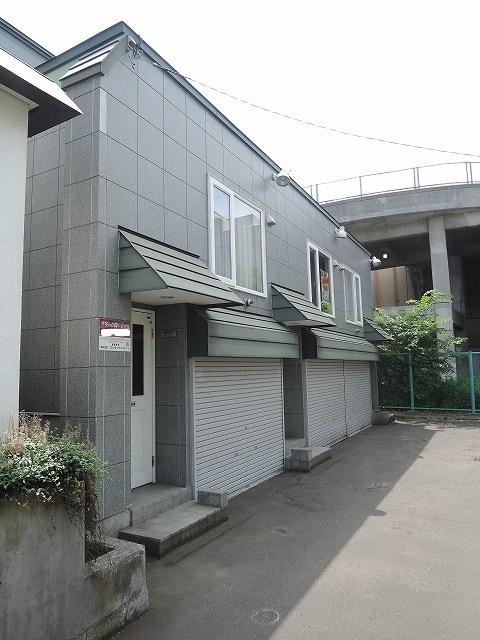 北海道札幌市手稲区、稲穂駅徒歩18分の築17年 2階建の賃貸アパート