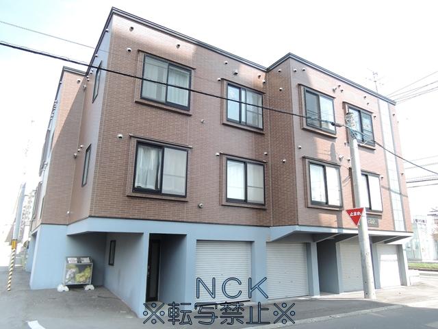 北海道札幌市東区、元町駅徒歩9分の築15年 3階建の賃貸アパート
