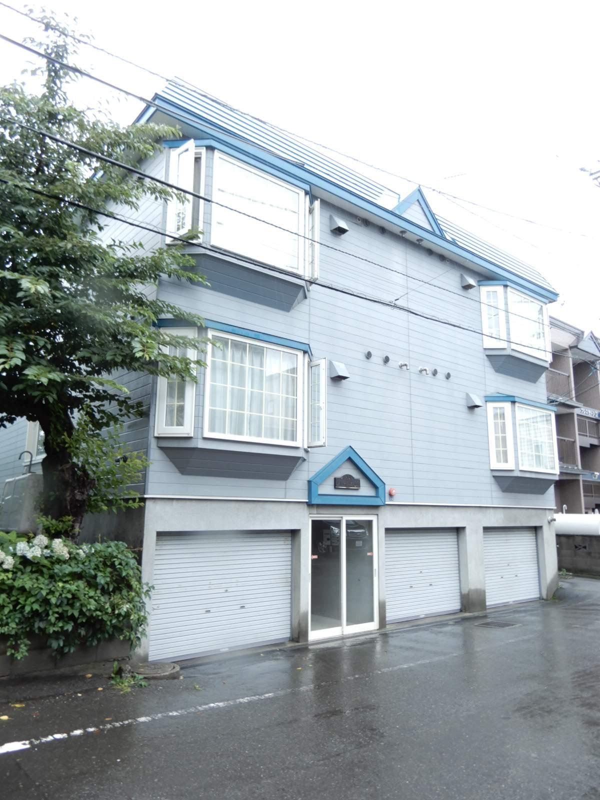 北海道札幌市東区、麻生駅徒歩25分の築25年 3階建の賃貸アパート