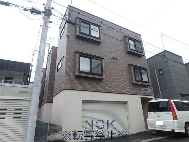 北海道札幌市東区、元町駅徒歩2分の築11年 2階建の賃貸アパート