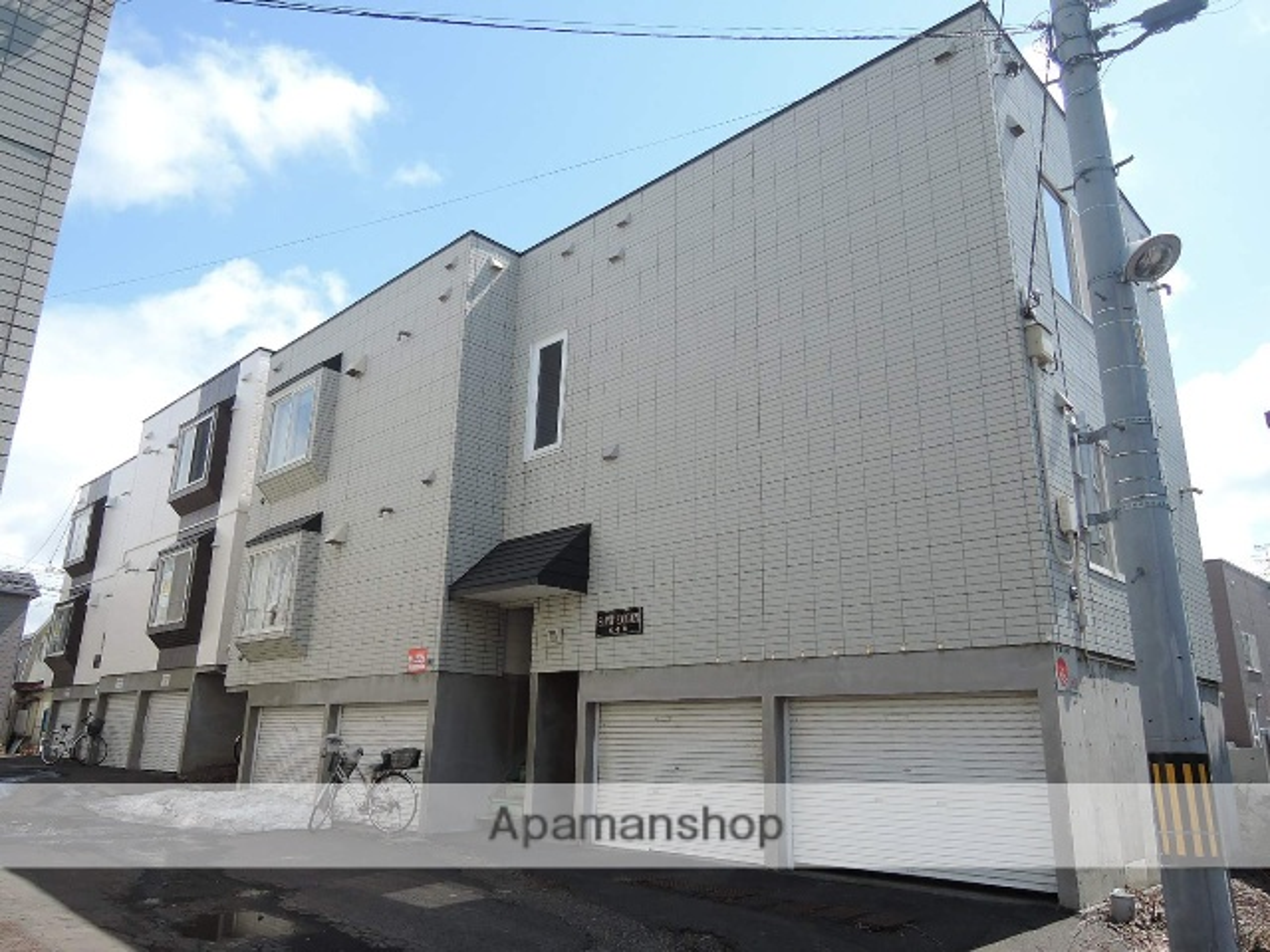 北海道札幌市東区、苗穂駅徒歩13分の築22年 3階建の賃貸アパート