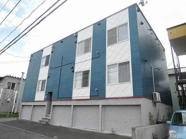 北海道札幌市東区、麻生駅中央バスバス28分モエレ団地前下車後徒歩1分の築20年 3階建の賃貸アパート