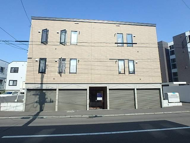 北海道札幌市東区、環状通東駅徒歩12分の築10年 3階建の賃貸アパート