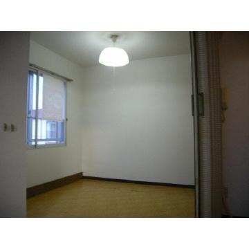 ユートピアシロス[1R/16.68m2]のトイレ