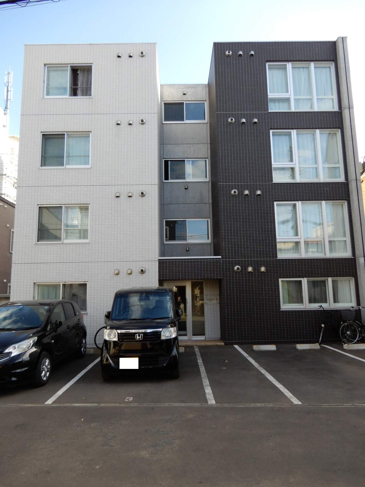 北海道札幌市北区、麻生駅徒歩12分の築1年 4階建の賃貸マンション