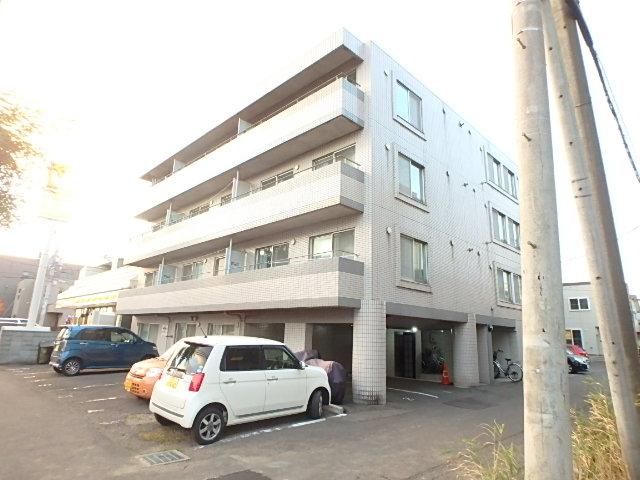 北海道札幌市東区、新道東駅徒歩18分の築26年 4階建の賃貸マンション