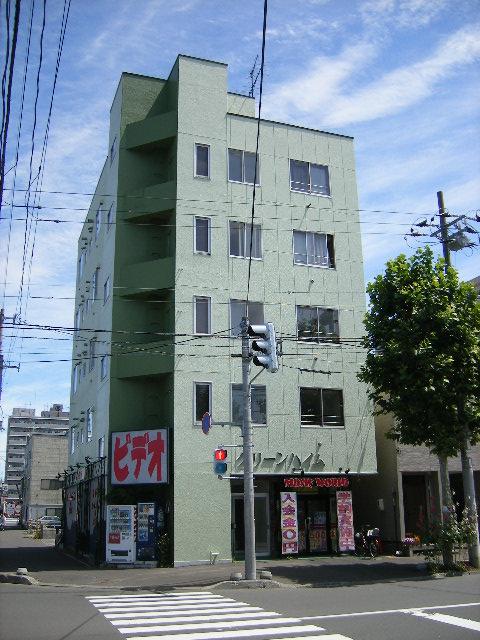北海道札幌市北区、北18条駅徒歩9分の築38年 5階建の賃貸マンション
