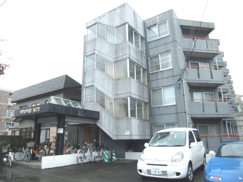 北海道札幌市北区、札幌駅バス23分北区役所下車後徒歩6分の築29年 4階建の賃貸マンション